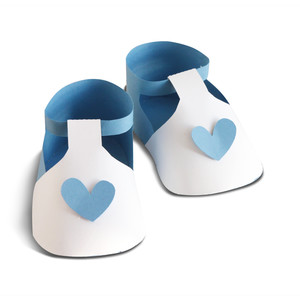 baby shoes with hearts