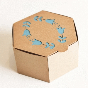 hinged gift box with flower design