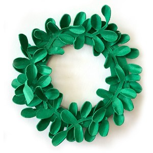 miniature boxwood wreath