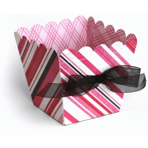 3d scalloped top favor box