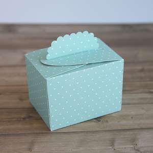 scallop folded flap box