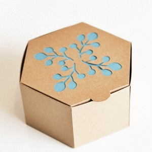 berry branch cutout hinged favor box
