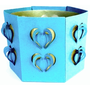 dimensional hearts candle holder