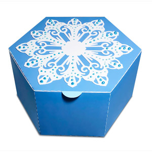 favor box with snowflake