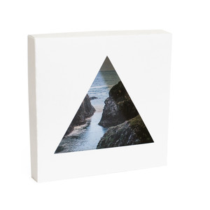 triangle photo box