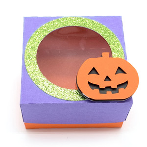 window lid square box with pumpkin