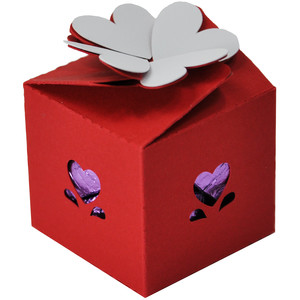 heart topped favor box