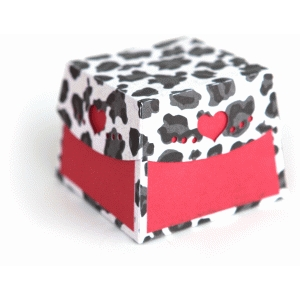 3d curved heart edge box