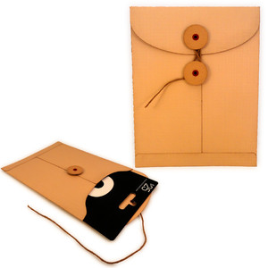 gift card sleeve disc closure