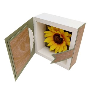 3d sunflower with frame in box