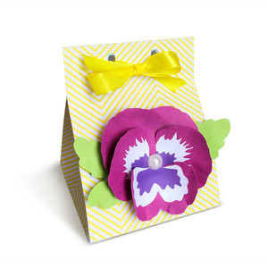 milk carton gift box with 3d pansy